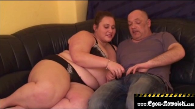 Chubby Teen gefickt Couch