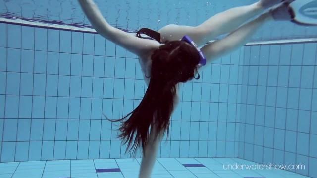 Underwater Slut Roxalana Cheh Naked