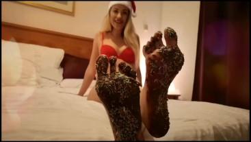 Worship my Xmas candy feet!