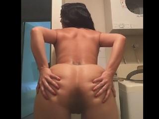 Aussie girl naked shake shaking...