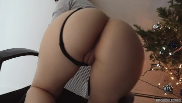 SEXY BLONDE PAWG GIVES BLACK DICK A BLOWJOB,GETS FUCKED IN FRONT OF TREE