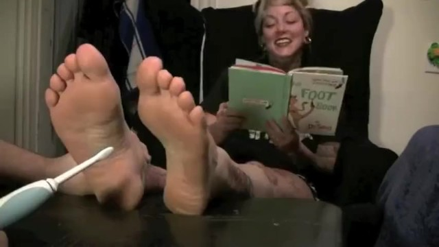 Tattooed Dinah Deville Reads The Foot Book 7