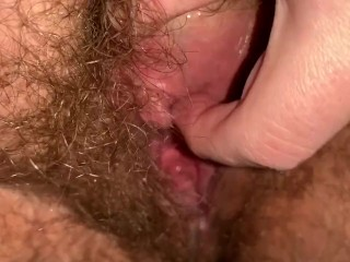 Bbw gapes her loose rubs clit fucks can...
