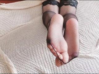 Testing my new fishnet pantyhose...
