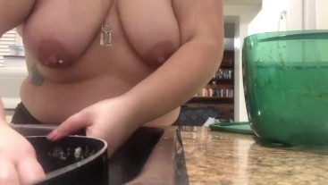 Chubby Girl Washes Dishes