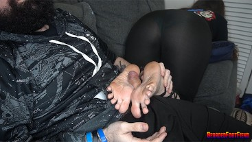 Foot Worship / Footjob from Nerdy Girl while she Plays Games /w big Cumshot