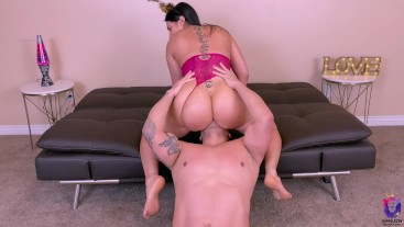 Gorgeous Big Ass Brunette wanted to start this new year with a rough fuck