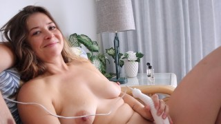 MILF gives hand job while using vibrator on herself (she orgasms)