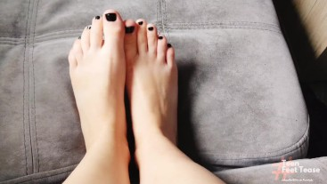 SEXY MILF FEET WAITING FOR YOUR MOUTH - FOOT FETISH WORSHIP
