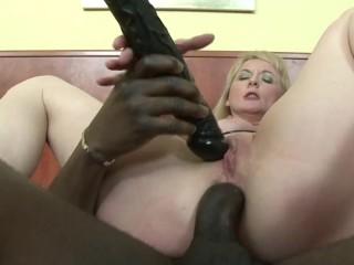 Hot mature milf mom bbc an extra dildo...