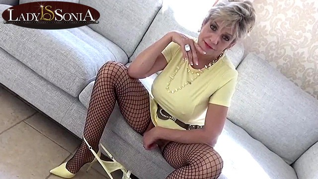 A ladys ass - Busty aunt sonia loves making you edge before you cum