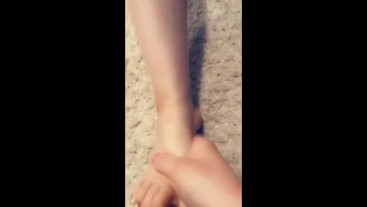 Tinder Foot Fetish Lesbian Gets Feet Spit On & Tickled On Snapchat Looped