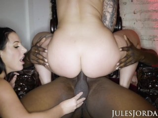 Jules Jordan – Tag Team Duo Angela White & Ivy Lebelle Find Dark Meat