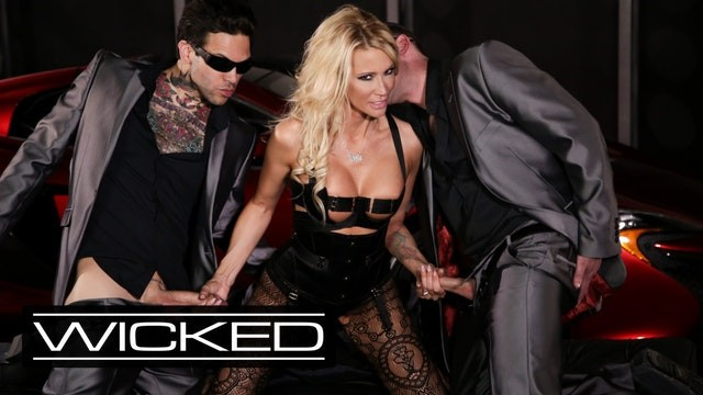 Fully clothed sex cumshot pictures - Wicked pictures - jessica drake takes facials from 2 cocks