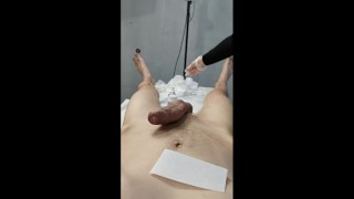 Man cums twice on his esthetician while she wax him