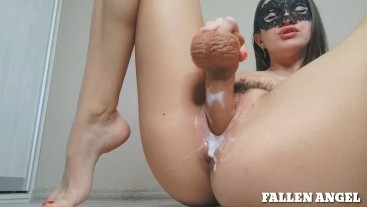 VERY CREAM PUSSY GETS MULTIPLE ORGASMS WITH POWERFUL SQUIRT