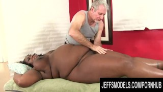 fat Black Beauty Daphne Daniels Enjoys a Passionate Oiled up Rubdown