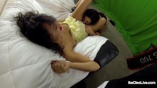 Wild Webcammer Its Cleo Tongue Fucks Horny Wet Girlfriend!