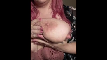 BBW It takes 2 hands to hold 1 giant boob, trying on new lingerie