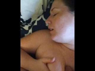 Pregnant and Horny MILF gets a facial