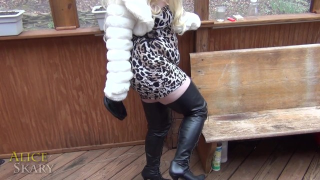 Smoking & Toilet Humiliation with Busty Blonde Vicious Vamp 7
