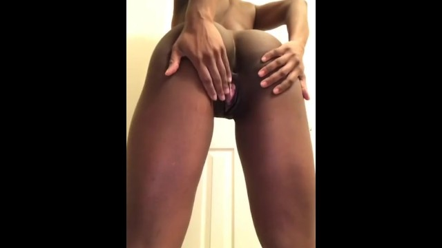 Naked girls southern Twerking popping my pussy for my fans spreading my ass