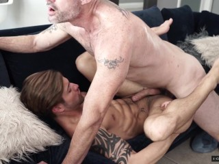 Icon male d arclyte casey get into hot...
