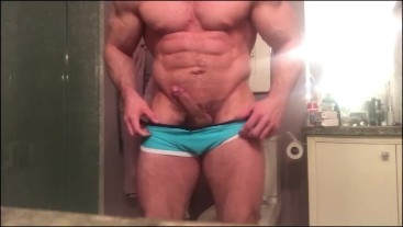 Big muscled Fitness model with huge cock