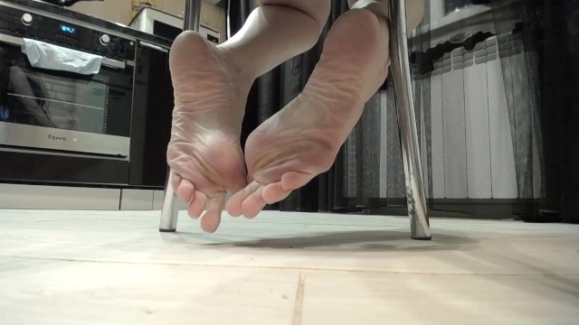 Natural remedies for yeast under breasts - Feet teasing pov under table