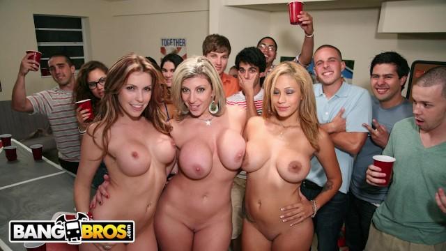 BANGBROS - Courtney Cummz, Sara Jay & Jamie Valentine Invade College Party