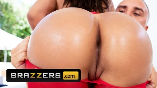Brazzers - Thicc Phat ass Cuban Luna Star loves anal