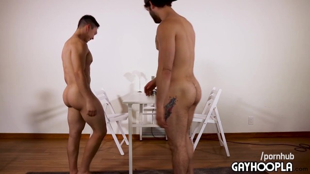 Extremely twinks Pinoy filipino 18yo str8 big booty jock vs extremely attractive gay guy