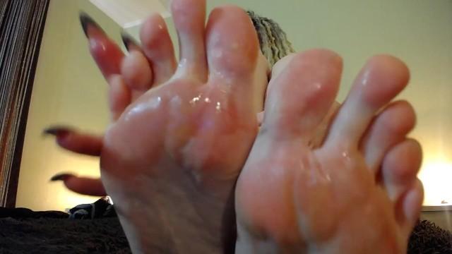 Pretty milf s - Jerk for my long pretty toes pov