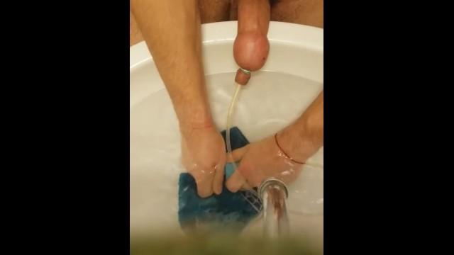 Surgical implanted penis pumps - Pumping water in my penis / foreskin