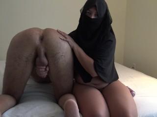 Arab milking saudi cuckold...