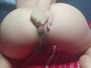 Nude twerking and tight butthole...