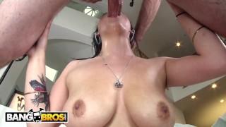 BANGBROS - Noelle Easton Giving Sloppy Blowjob From Nice Angle