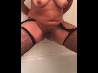 Arab mistress pissing on saudi arab cuckold...