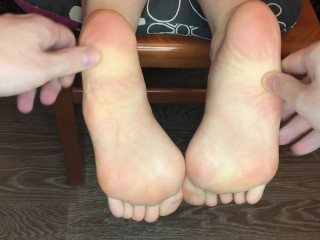kelly_feet sexy girl sweaty foot massage worship pov foot fetish
