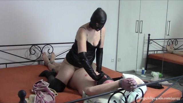 Sex avi sample - Wife in black leather fucks tied husband sample