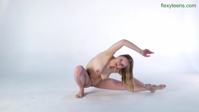 Free gallery gymnast nude photo - Sofya belaya softcore gymnastics and splits