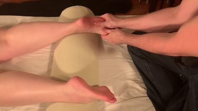 Maui tantra massage escort - Krystal receives a full body tantra yoni massage