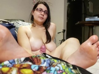 Kiora's Foot Smothering Handjob with her SUPER OILY Soles !!! (POV VIEW)