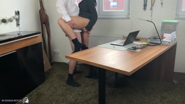 Break lunch milf Business woman gets lunch break sex ends with huge cumshot