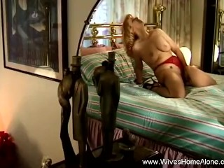 Wife masturbated while hubby is away...