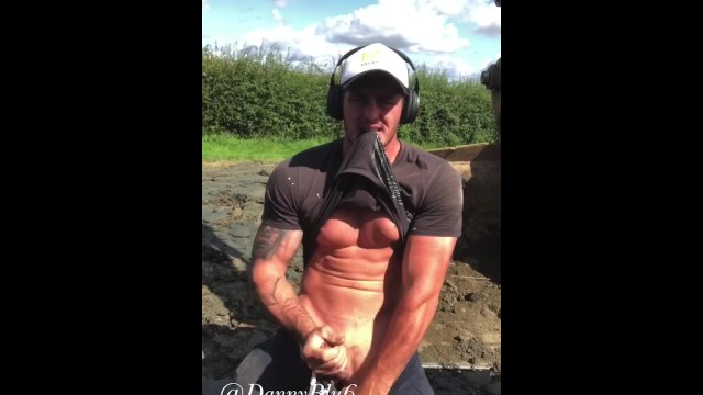 British cumshots - Buff digger driver wanks at work
