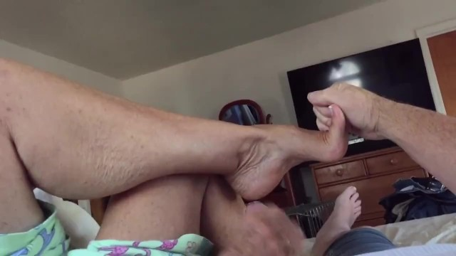 Cum on my arches - Aunt annette is at it again,shows arches and jacks me off