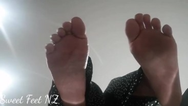 Toe Spread and Sole views to satisfy your Foot Fetish