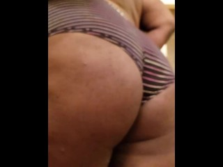 Trying on my new underwear and twerking jiggling...