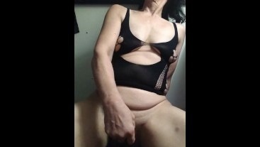 Loves to suck masterbating